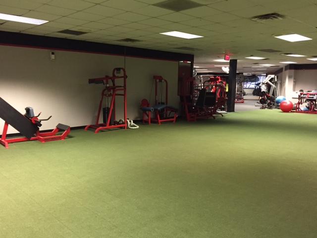 Jeromes Gym Leg Area